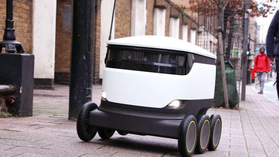 masina-de-livrari-autonoma